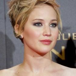 Jennifer-Lawrence_glamour_14nov13_rex_b_720x1080