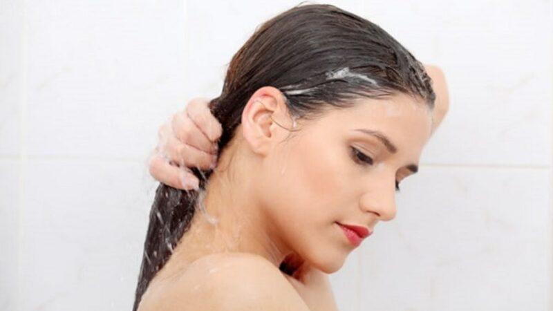 Twarda woda a włosy, czy wiesz jaki ma wpływ?