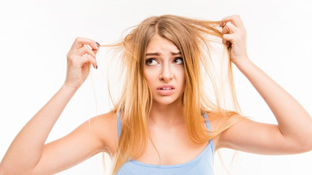 suche włosy, jak dbać o suche włosy, jak uratować suche włosy, suche włosy pielęgnacja, sauna na włosy