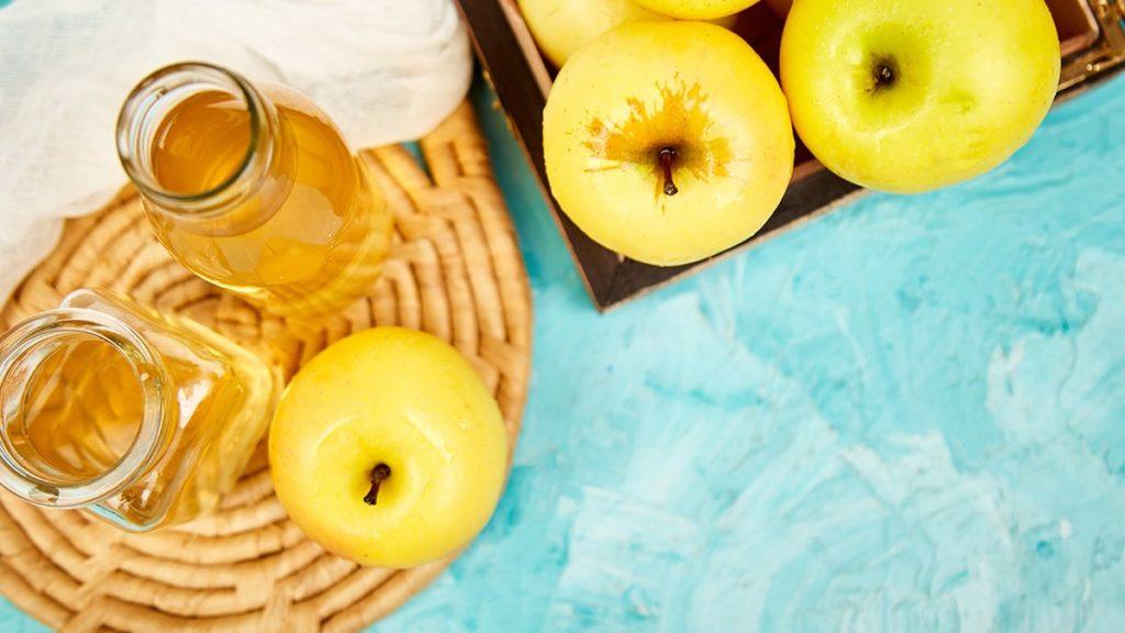 płukanka octowa na włosy, ocet jabłkowy na włosy