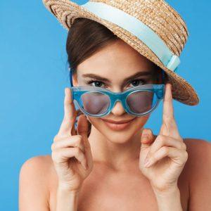 jak nosić kapelusze, komu pasują kapelusze, ochrona włosów latem, ochrona łosów przed słońcem, trendy 2019, fryzury kapelusze, galeria fryzury z kapeluszami