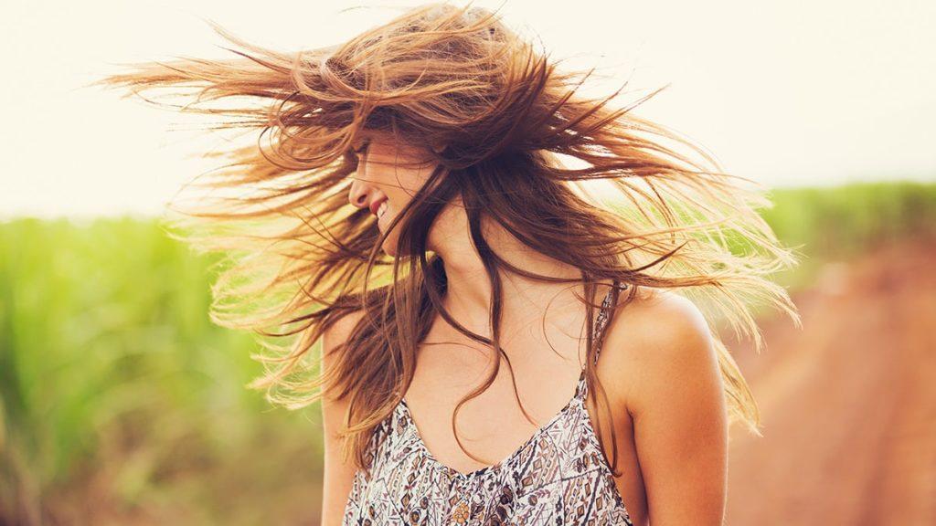 jak wzmocnić włosy, co na mocne włosy, jaki szampon na mocne włosy