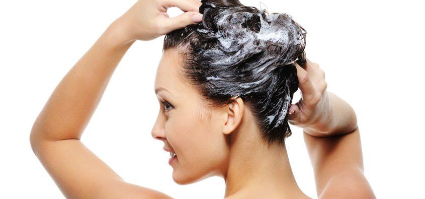 przesuszona skóra głowy, kuracje na skórę głowy, pielęgnacja włosów po lecie