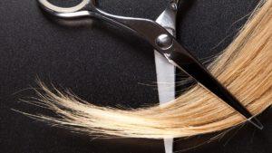 jak obciąć włosy w domu, jak obciąć włosy samemu, jak samodzielnie obciąć włosy, jak obcinać włosy nożyczkami