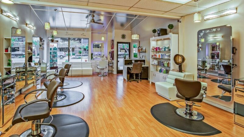 fotel fryzjerski, fotele fryzjerskie, jaki fotel fryzjerski do salonu, meble fryzjerskie, urządzanie salonu fryzjerskiego, fotele fryzjerskie tanio