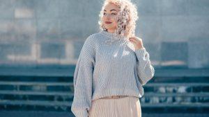 chłodny blond, ochładzanie koloru, zimny blond, matrix so silver