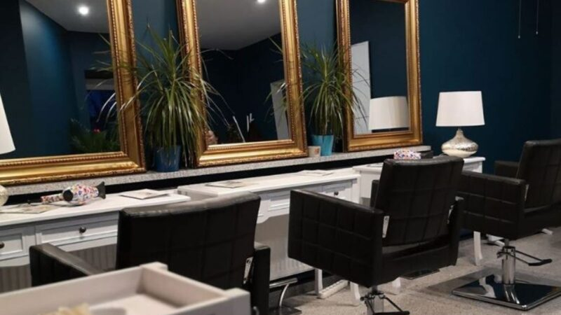 Ekologiczny salon fryzjerski – czy to przyszłość? Wywiad z Krystianem Mieczkowskim