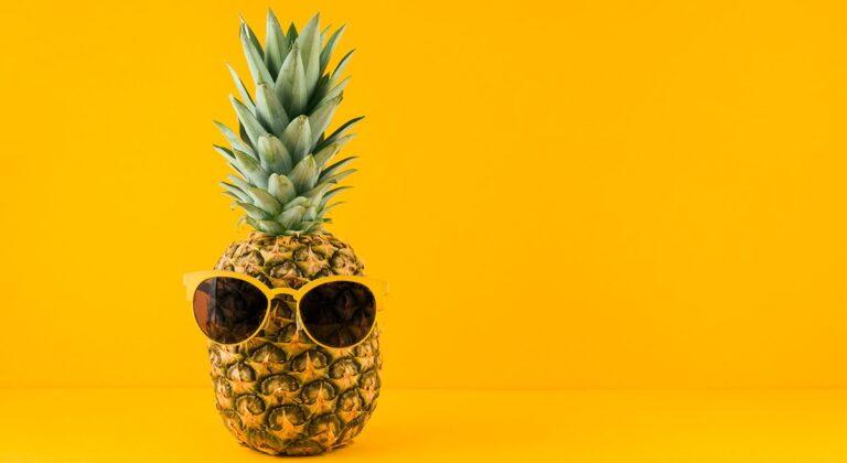 jak ananas działa na włosy, ananas na wypadanie włosów, kuracja ananasowa na włosy