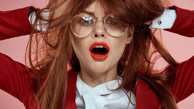 elektryzowanie włosów, elektryzujące się włosy, przyczyny elektryzowania włosów, sposób na elektryzujące się włosy