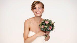 fryzura na ślub, fryzura śłubna, czy myć włosy przed fryzjerem, jak przygotować włosy do ślubu