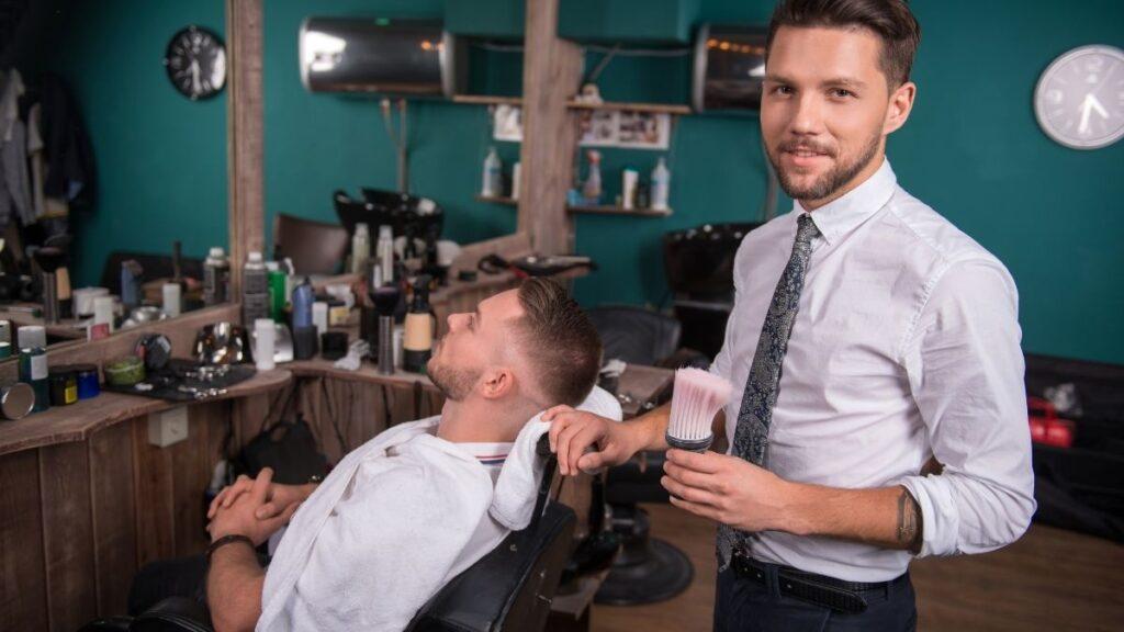jakie gadzęty reklamowe do salonu fryzjerskiego, jak rozleklamować salon fryzjerski