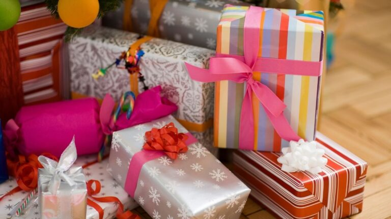 jaki prezent kupić, jakie prezenty na święta, co kupić dla niej, co kupić dla niego
