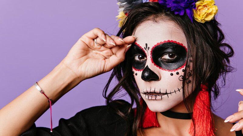 Jak wykonać makijaż Sugar Skull?