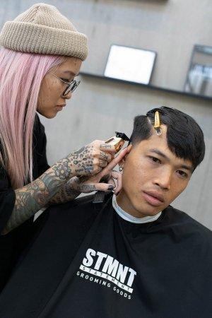 STMNT, peleryna fryzjerska, czarna